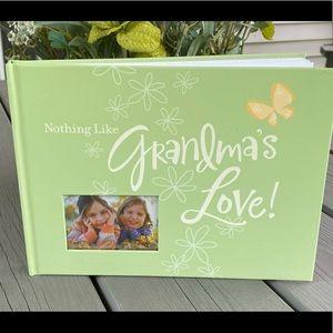 Grandma's Love Scrapbook/Photo Album - NEW!💚